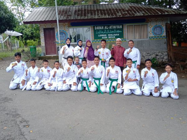 Team Karate SMP Plus Al-Athiyah