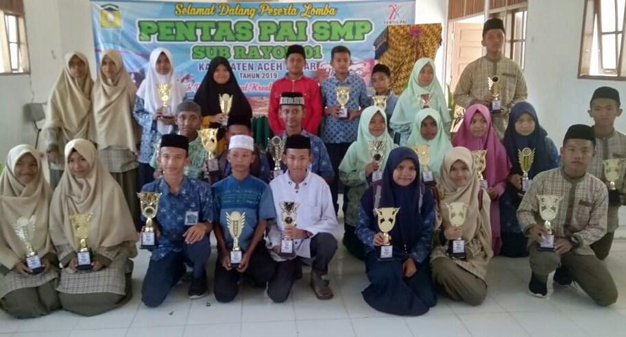 SMP Plus Al-Athiyah Juarai Semua Lomba