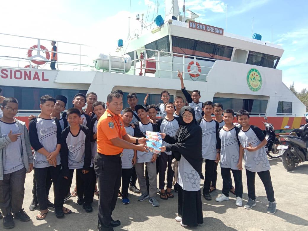 Santri SMP Plus Al Athiyah Melakukan Outing Class Ke Basarnas Banda Aceh
